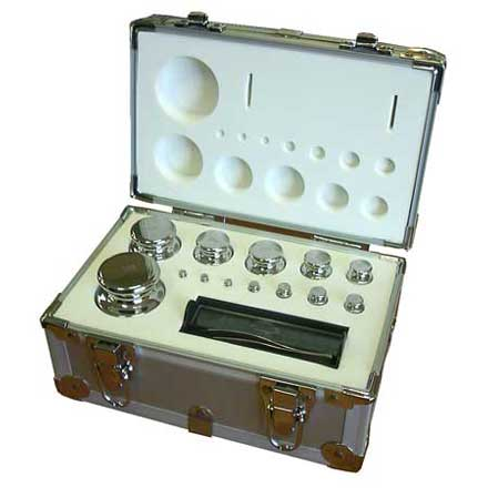 BOXED SET OF STAINLESS STEEL CALIBRATION WEIGHTS Arrange any weight value up to 2110 grams in 1 gram increments!